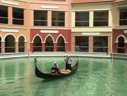 mckinley hill venice grand canal mall
