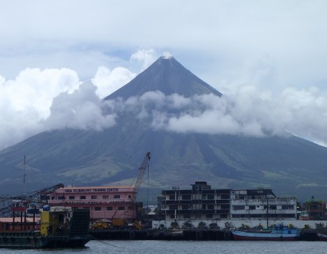 Mt. Mayon volcano from Embarcadero de Legazpi, overlooking Legazpi City
