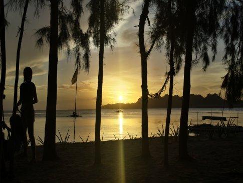 Sunset beach at Dampalitan Island