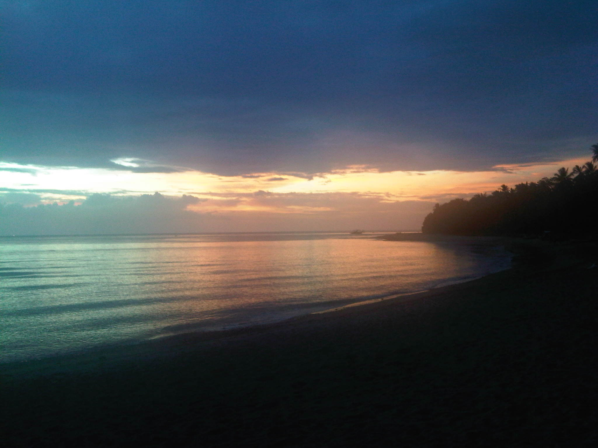 sunset shot from Funtasea Resort Basay