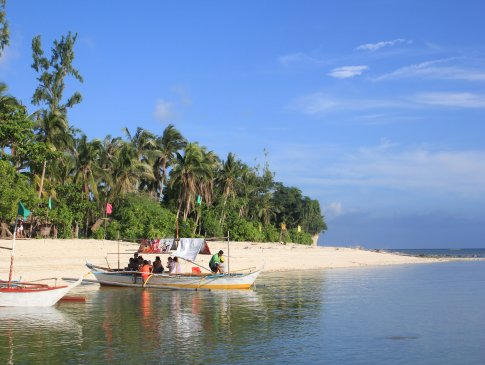 The glowing white sand of Dampalitan Island