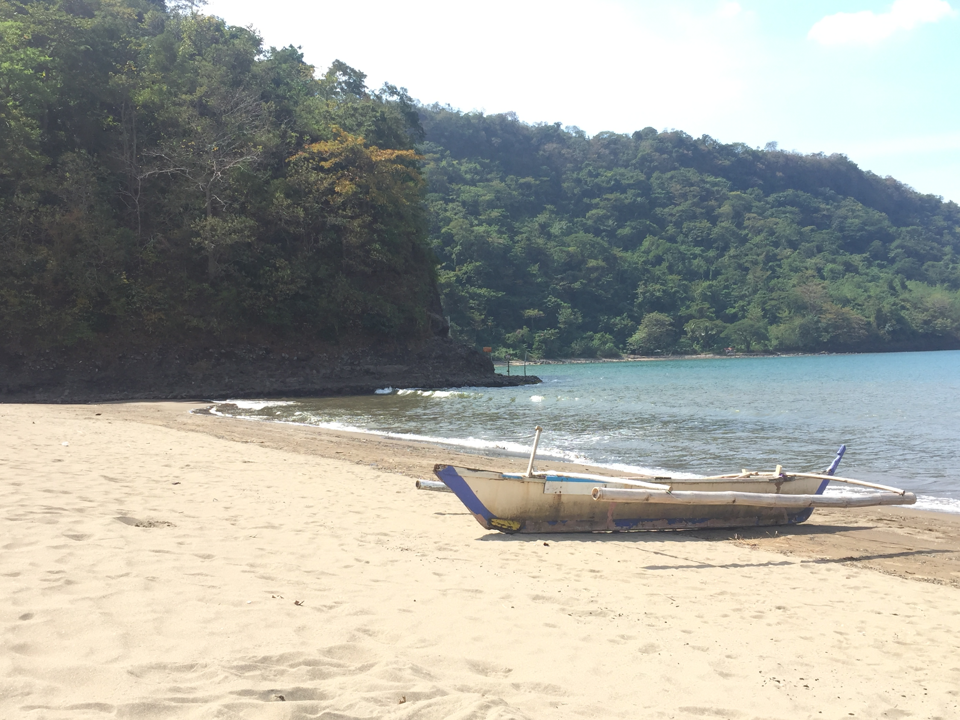 weekend getaway close to Manila calayo beach batangas