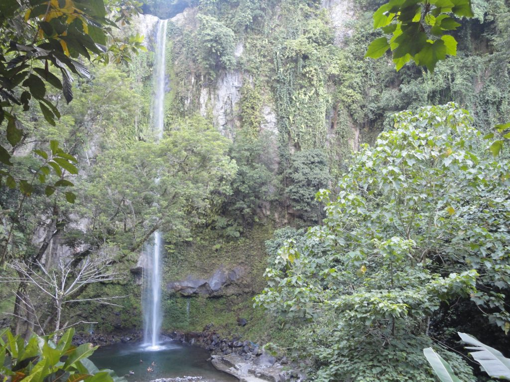 Katibawasan Falls best 8 waterfalls in the philippines