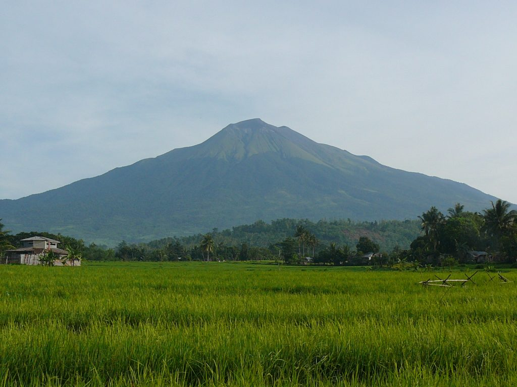 mt kanlaon top 8 volcanoes in philippines