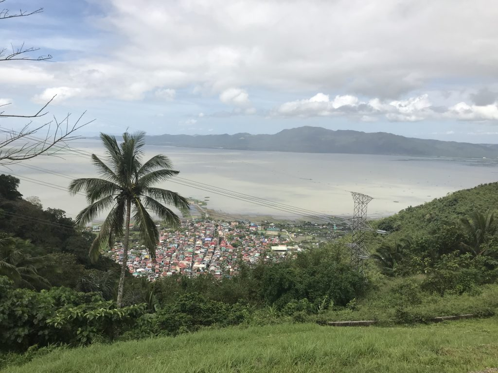 stunning views of Laguna de Bay from Tatlong Krus