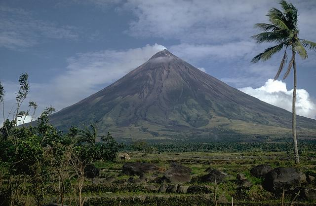 Southern luzon, mayon volcano